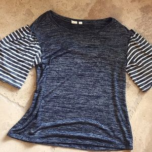 Gap Navy Top Small